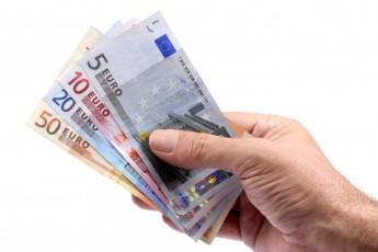 euros-na-mao_1101-1196